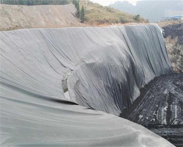 尾矿库排水管铺设